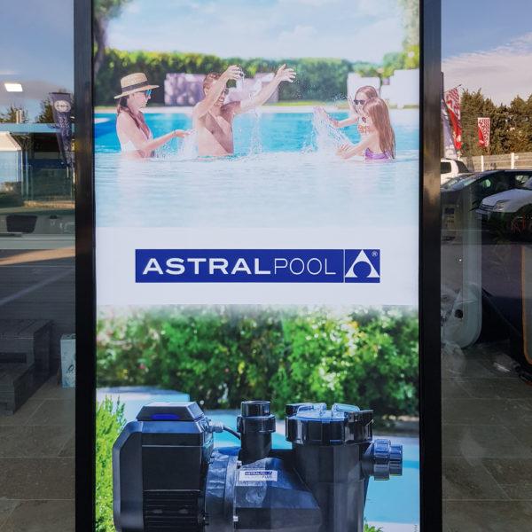Adhésifs Astralpool et Zodiac de vitrine